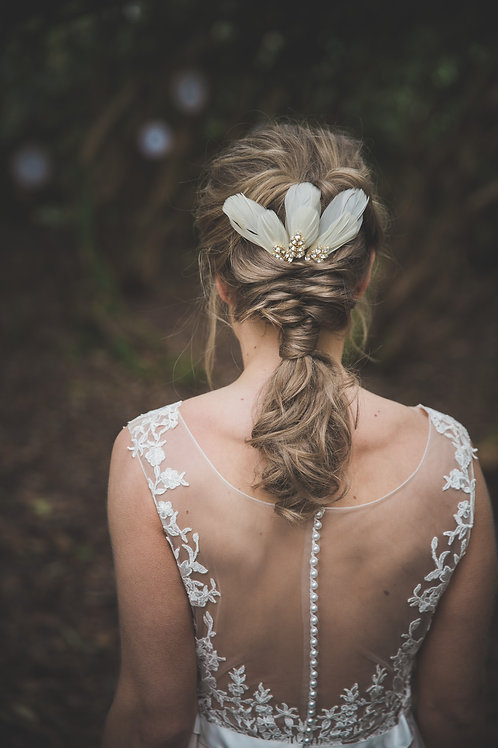 Feather bridal hair pins with rhinestones