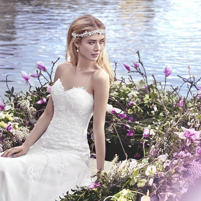 halo featured in _ellisbridals #ellisbridals2016 collection #ellisbridals #bridalhair #bridalfashio