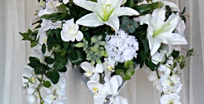 Centerpiece / Floral arrangement  Grace
