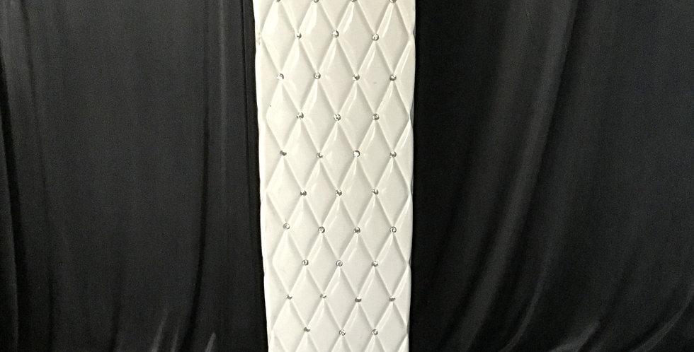 Pillar , Gloss White  with diamonds