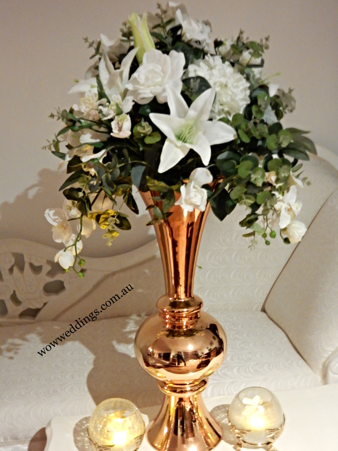 Trumphet vase gold