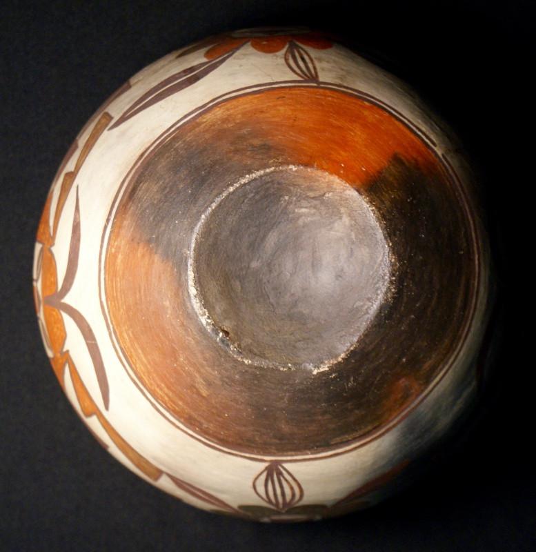 Laguna Pueblo Pottery Jar c1910