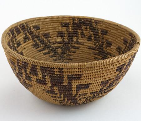 Maidu Basket with Lizard Tracks