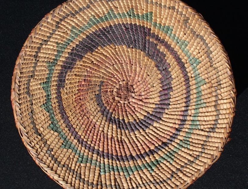 """Antique Early 20th Century Lg 9.5"""" x 6.5"""" Makah Nootka Lidded Basket Seated Elk"""