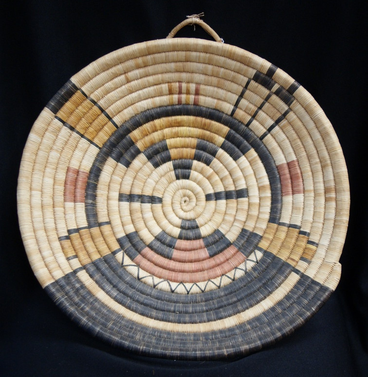 """Hopi Indian 2nd Mesa Vintage 16.5"""" D Coiled Yucca Basket W/ Kachina Face Tray Artist Unknown"""