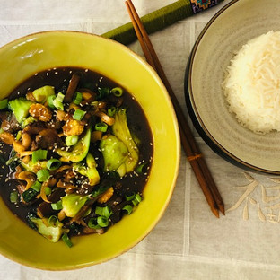 Easy  Light Pan Asian cooking with Pakchoi with Vegetables and Cashew