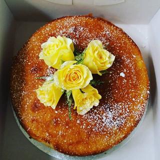 #2layer#orange#cardamom#glutenfree#almond#cake with #yellowroses.jpg