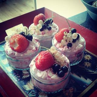 Summer fruit fools #summer#berries#cream#desserts#puddings#gooseberry#strawberries#ramakin#individual#blackcurrant#whitecurrant#yogurt#vanil