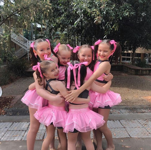 Step Right Dance Mini Performance Team