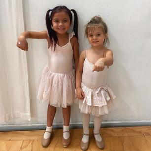 Step Right Dance cuties