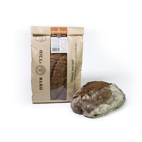 לחם כפרי אגוזים וסילאן - עובדי אדמה