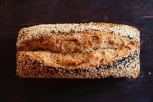 לחם מחמצת כוסמין שומשום וקצח