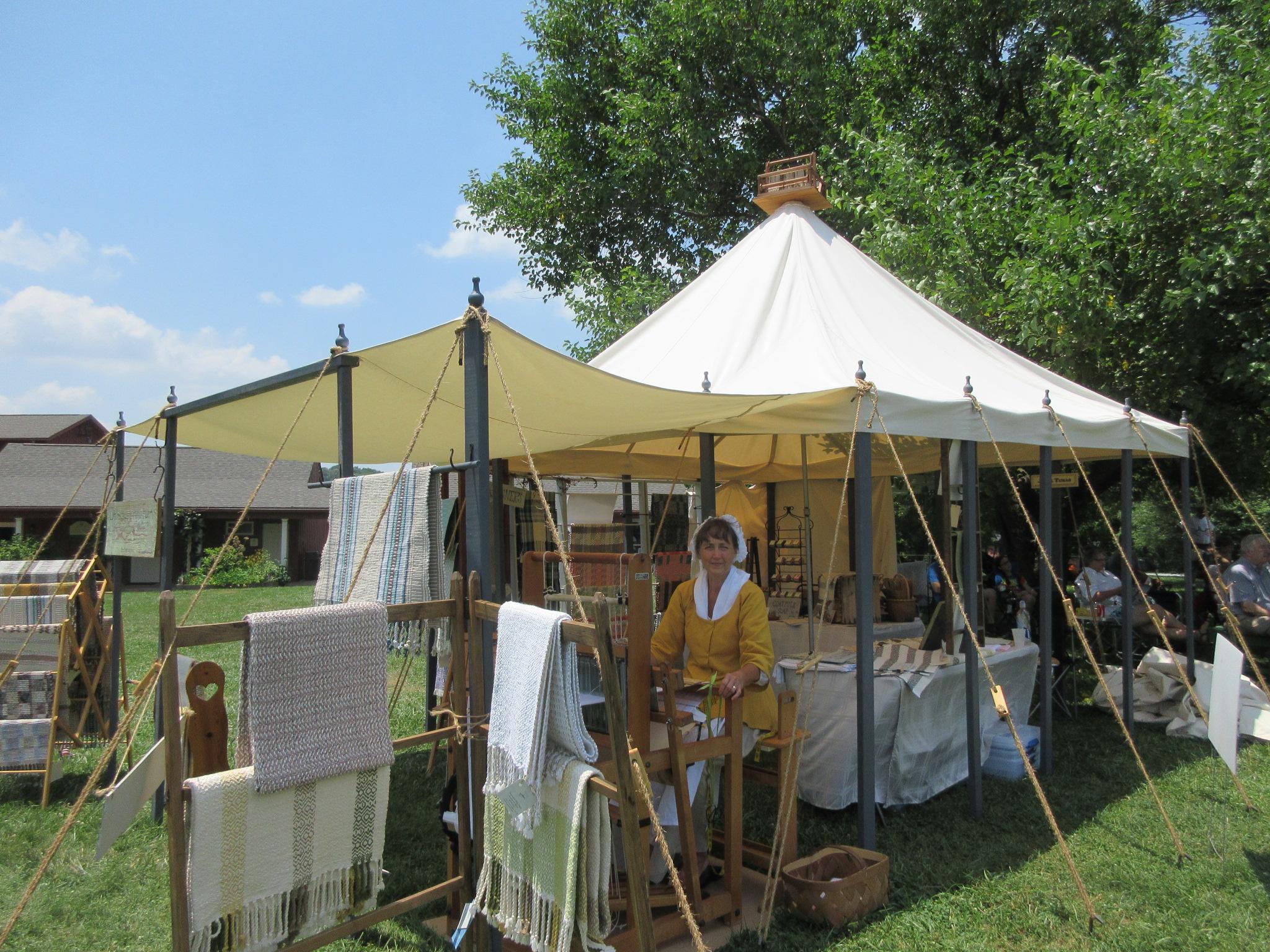 Weaving demo- Poplar Forest July 4