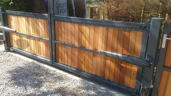 timber-iron-automatic-gates