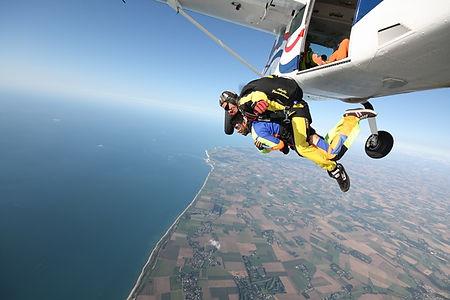 adrenaline-saut-parachute.jpg