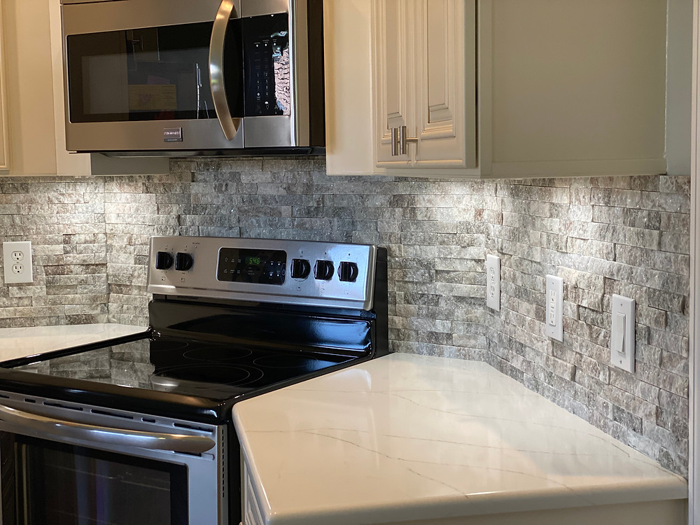 stone veneer as kitchen backsplash