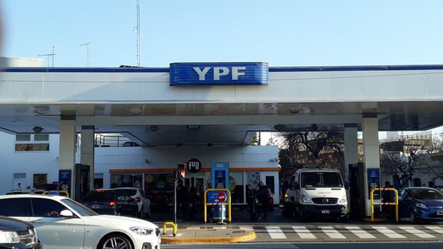 cielorraso YPF.jpg