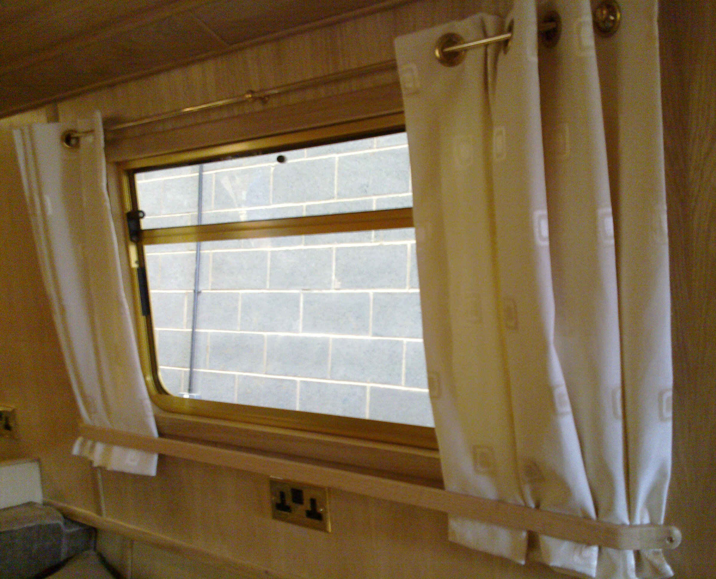 CURTAIN RAILS - OAK.jpg