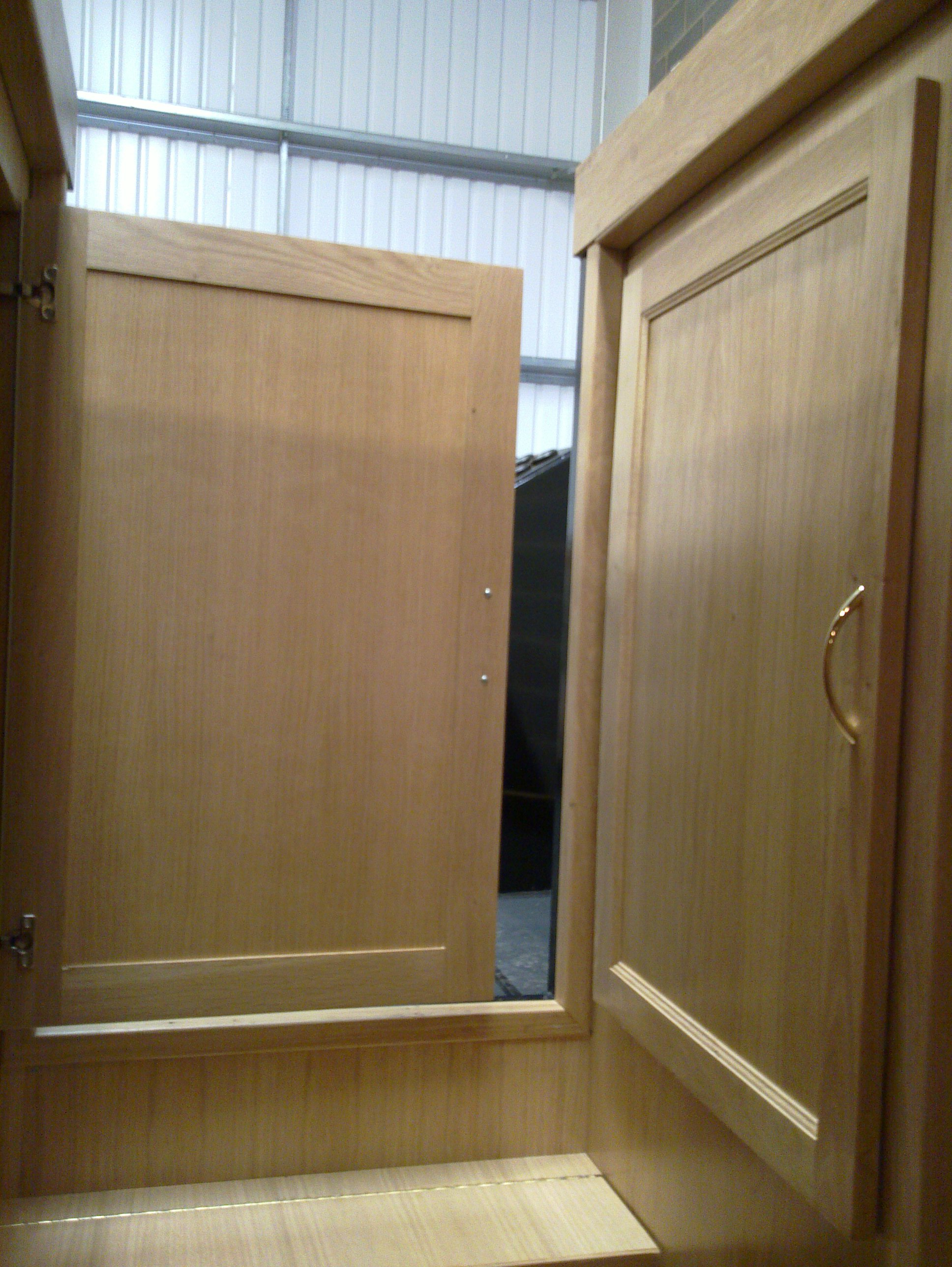 ELECTRIC CUPBOARD DOORS - OAK.jpg