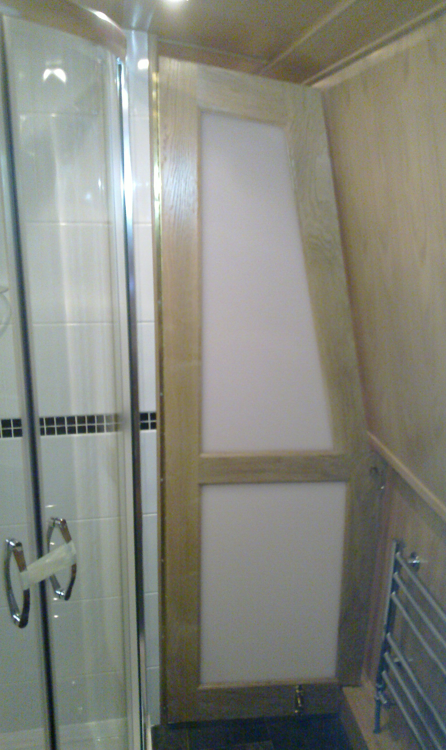 BATHROOM SHAPED OPAQUE DOOR - OAK.jpg