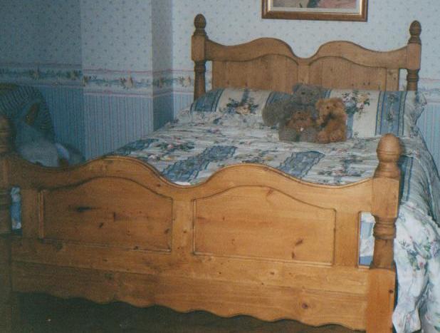 DOUBLE BED - PINE.jpg