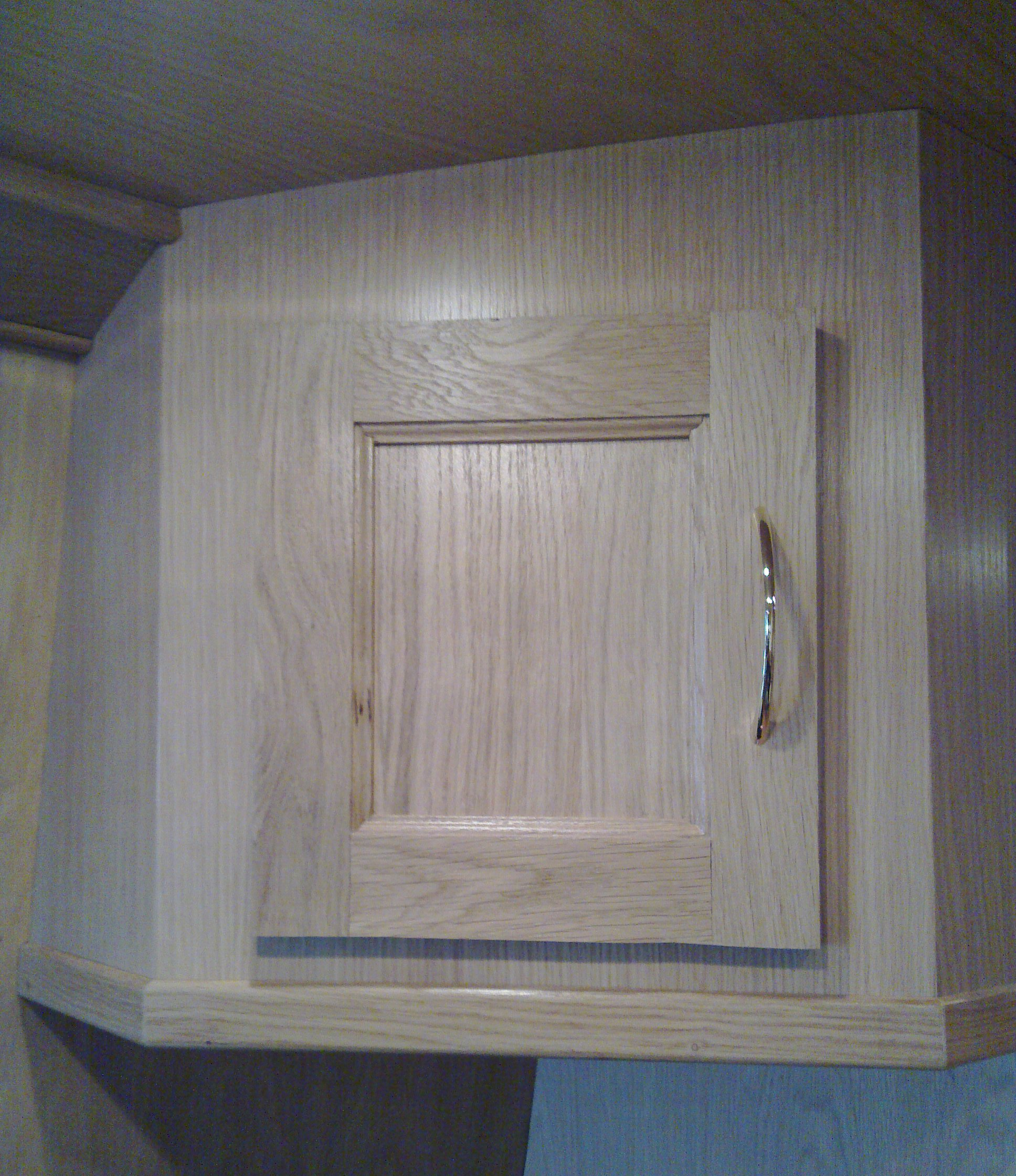 SMALL CUPBOARD 1 - OAK.jpg