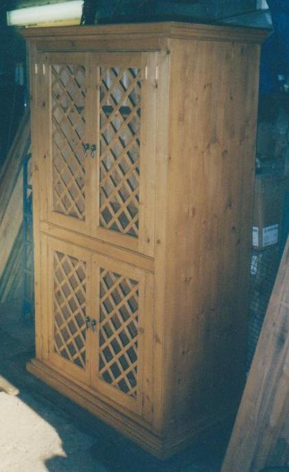 CABINET WITH LATTICE DOORS - PINE.jpg