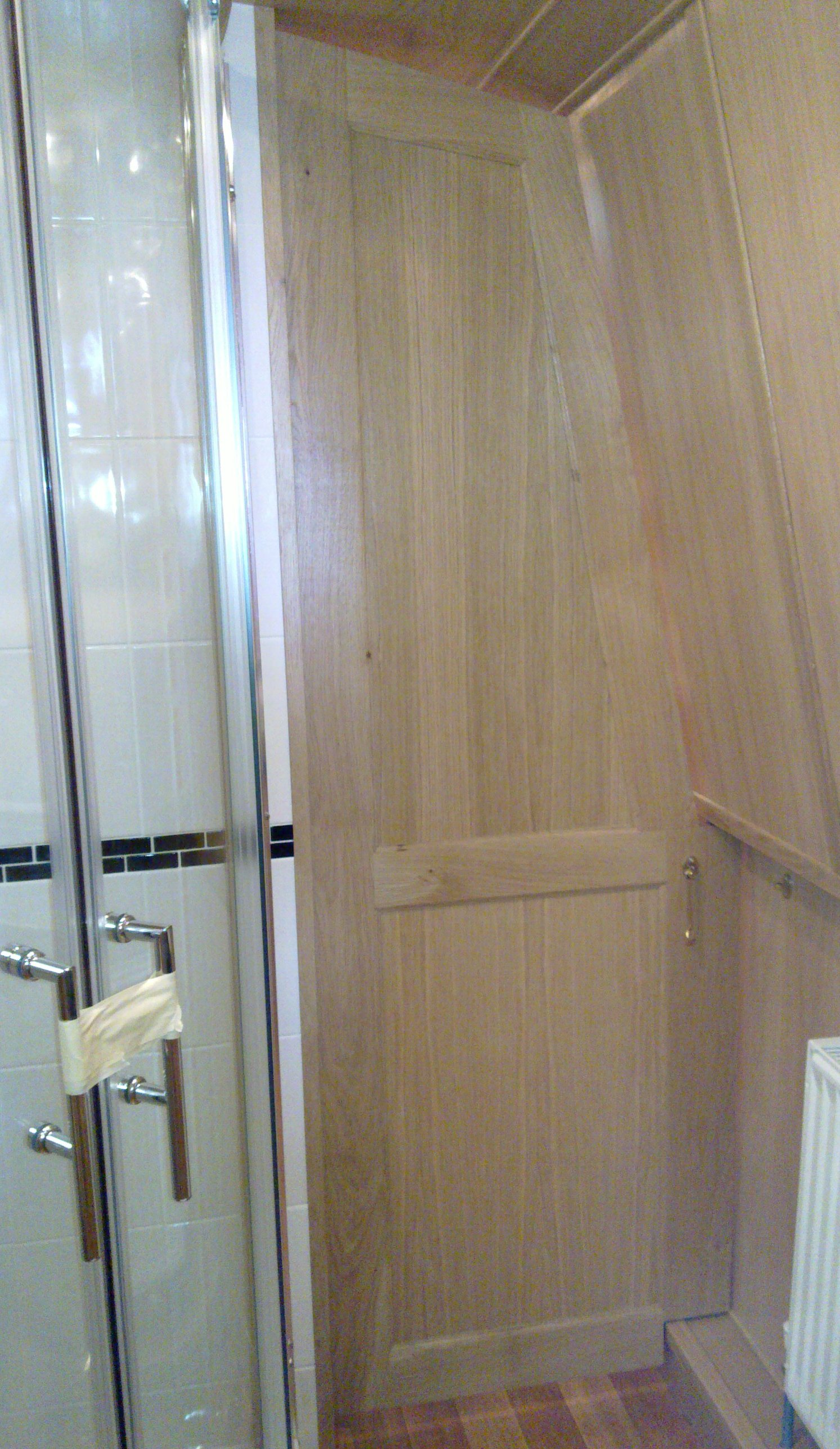 BATHROOM SHAPED DIVIDER DOOR - OAK.jpg