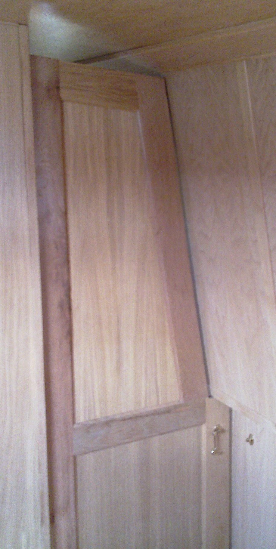 DIVIDER SHAPED DOOR 1- OAK.jpg