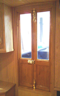 EXTERIOR DOOR - INTERNAL VIEW - OAK.jpg