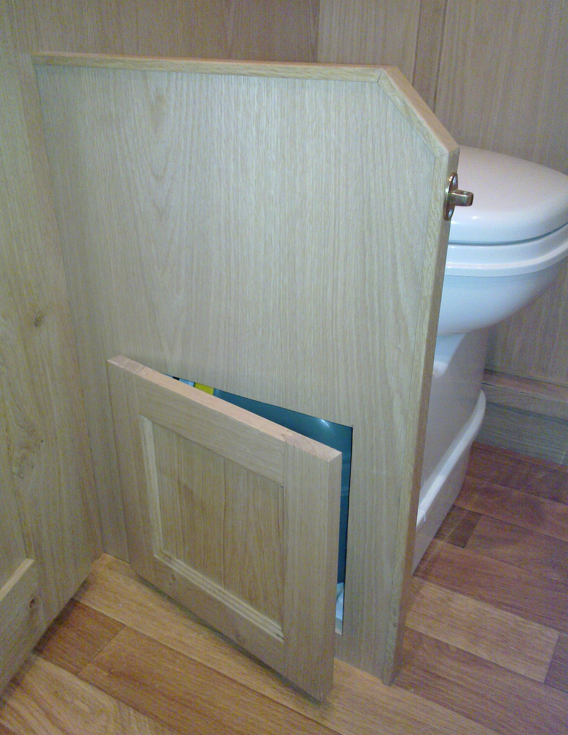 TOILET INSPECTION DOOR - OAK.jpg