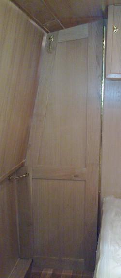 BEDROOM SHAPED DIVIDER DOOR 2 - OAK.jpg