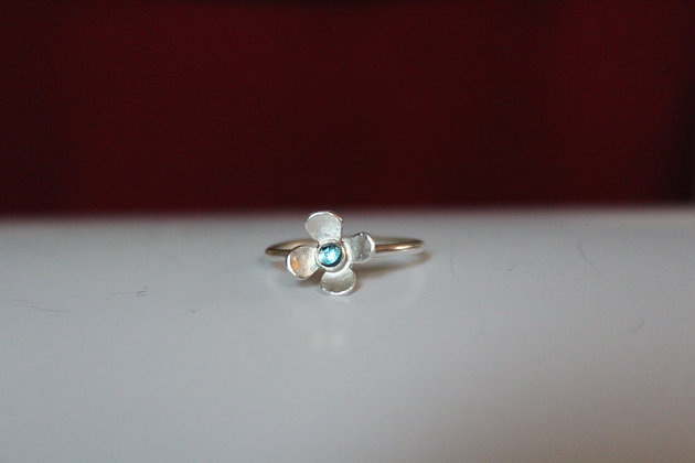 Swiss blue Topaz  daisy ring