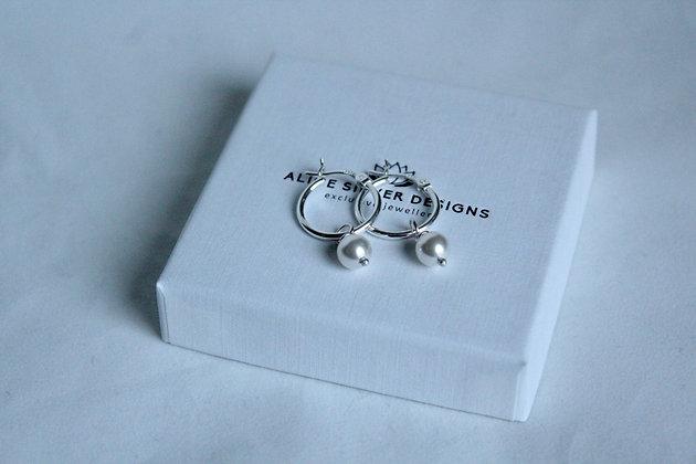 Swarovski® kristallen parels aan zilveren oor ringen
