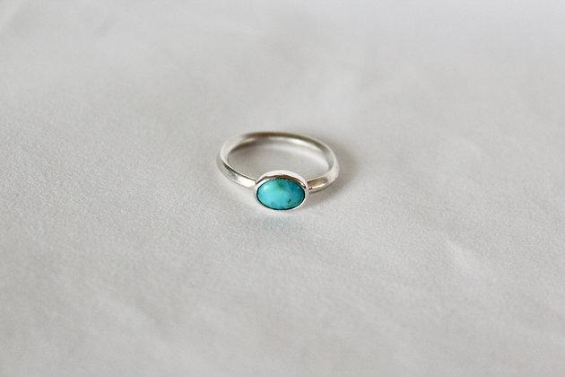 Sterling zilveren ring met ovaal turqoise