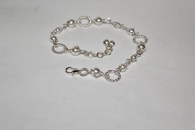 Bracelet with beaded links