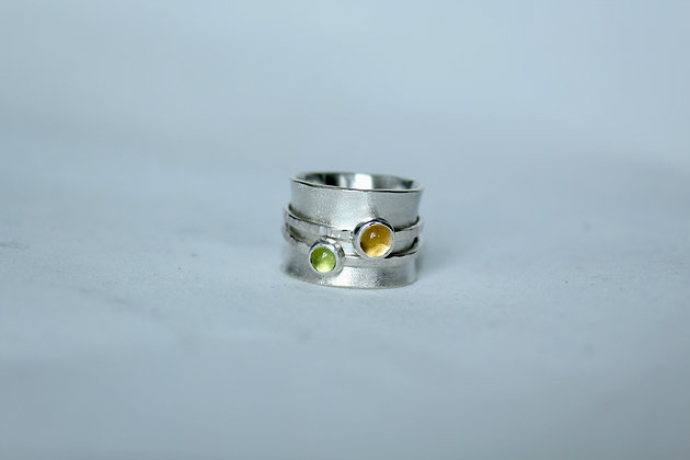 Sterling silver spinner ring with peridot and citrine
