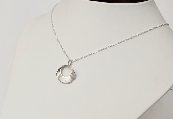 Sterling zilveren twisted circle