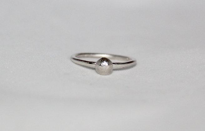 Sterling zilveren ring met balletje