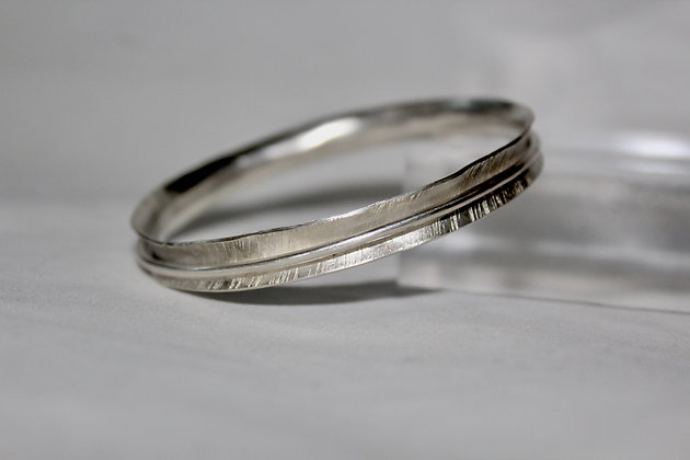 Heavy sterling silver spinner bangle