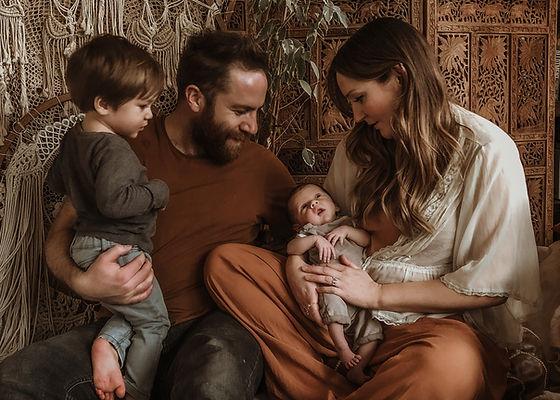 Family photo newborn shoot.jpg