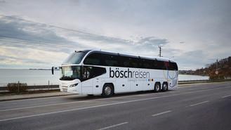 Teamliner_32Plätzer_Autobahn2.jpg