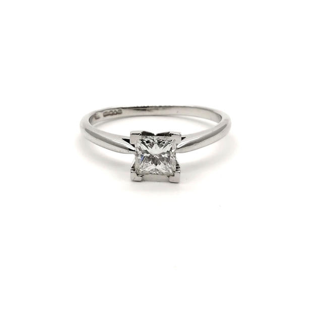 0.61ct Diamond Ring