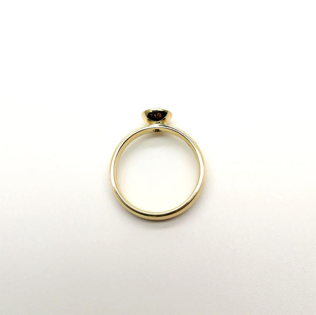 18ct gold cup setting