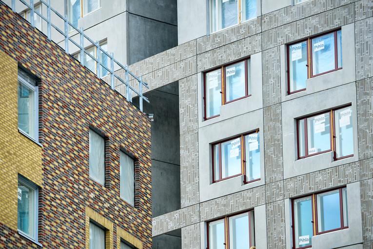 Asuinkerrostalon rakennustöitä Vantaalla / Lehtikuva