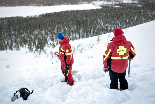 Lumivyöryvaara Lapin tuntureilla, YlläsSki skipatrolin lumenlaatututkimus / Lehtikuva