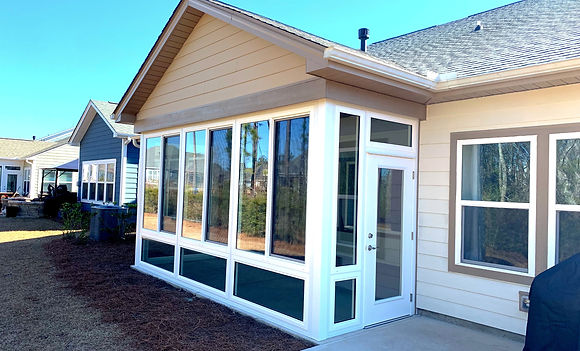 Sunroom contractor in Wilmington NC, Castle Hayne NC, and Wallace NC.