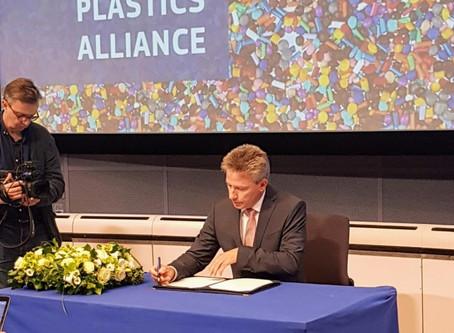 EPPA signed the declaration of Circular Plastics Alliance