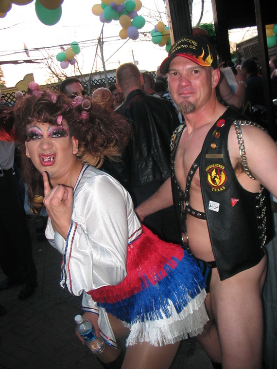 LUEY-WEEKEND-Houston-Leather-Mardi-Gras-2005021200117.jpg