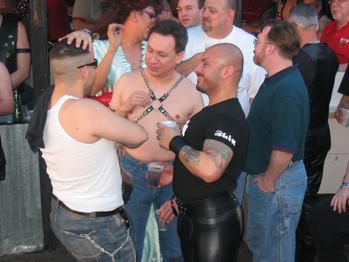 LUEY-WEEKEND-Houston-Leather-Mardi-Gras-2005021200105.jpg